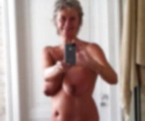 Violette femme cougar sans tabou, Roissy-en-Brie